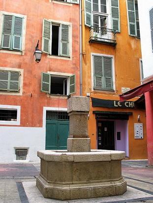 Le vieux nice place vieille le comte de nice en images for Piscine vieux nice